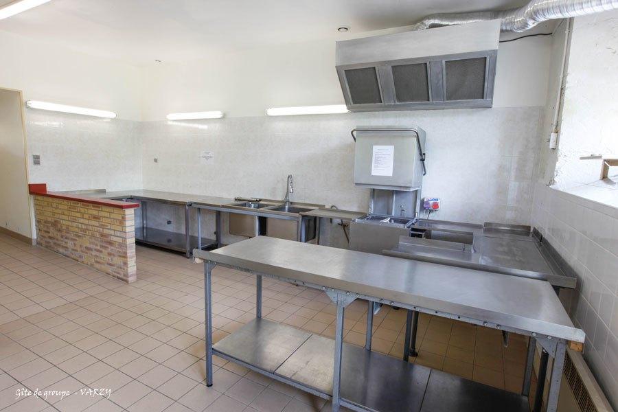 Gite-de-groupe_VARZY-cuisine-2