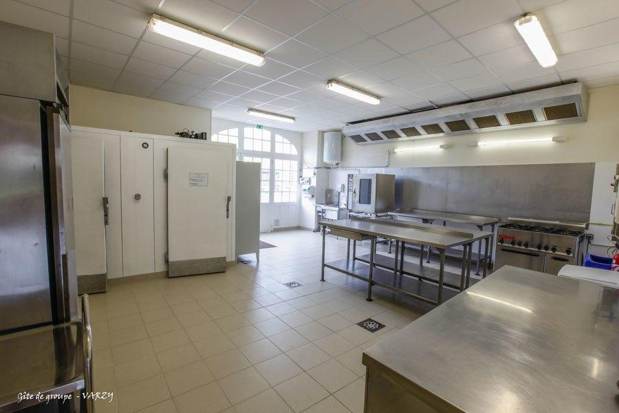 Gite-de-groupe_VARZY-cuisine