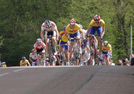 Course cycliste à Dornecy